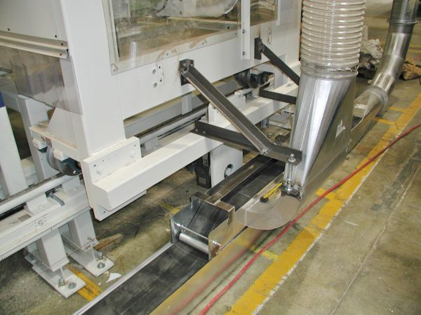 Zipper Duct Machinery Used in Grinding Booths and Dust Collection Applications