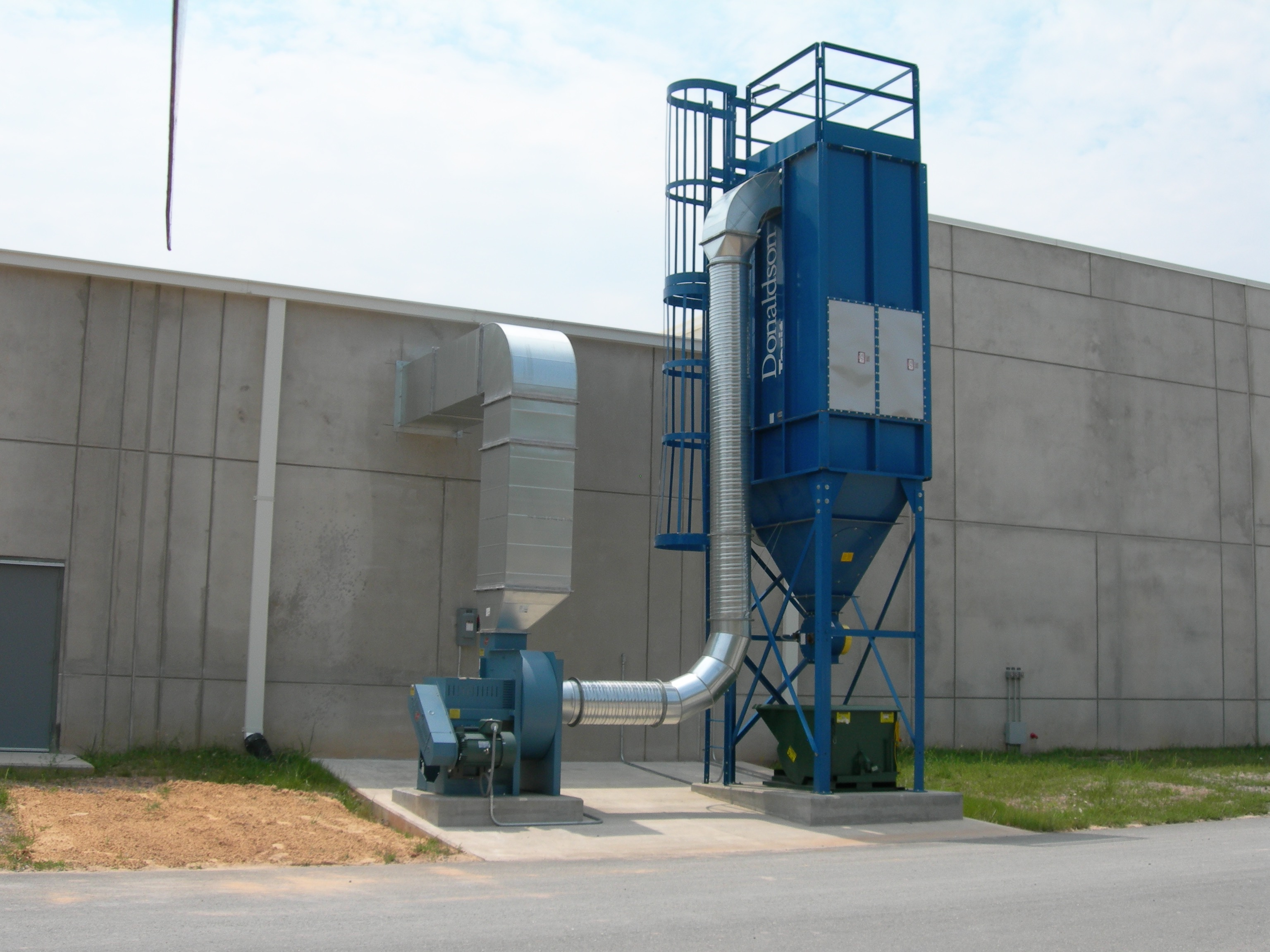 Ventilation solutions grinding booth and dust collector